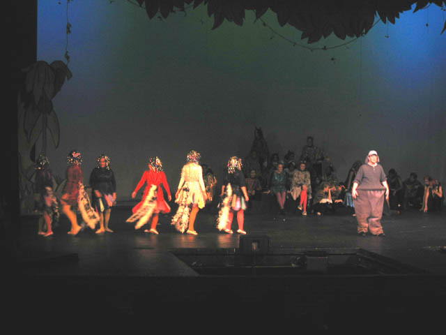 Horton, bird girls, and ensemble